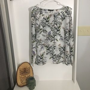 Banana Republic size XL long sleeve floral blouse